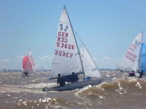 Die Flotte kämpft mit viel Wind