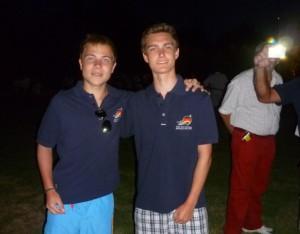 Jonas und Clemens in Team Klamotten