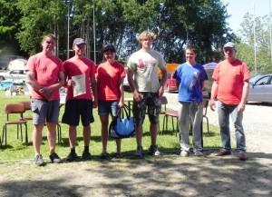 Die Crew der meduse empfängt stolz den zweiten Preis